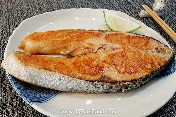 香煎肥美鮭魚
