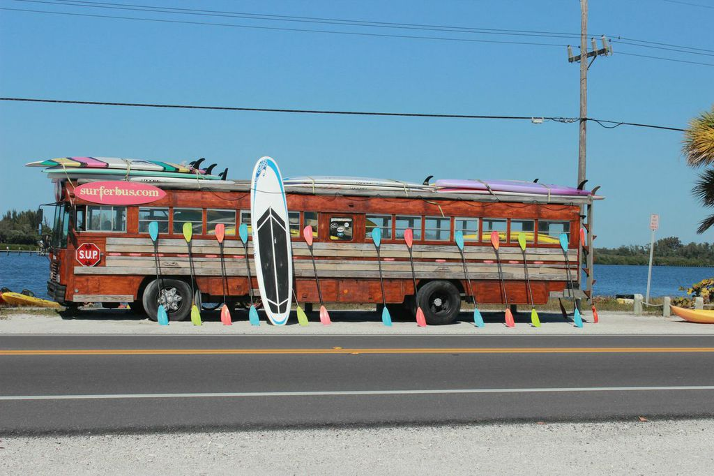 _axvf0qg-surfer-bus-new-homes-bradenton