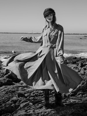 Thumb_portrait_left_mono