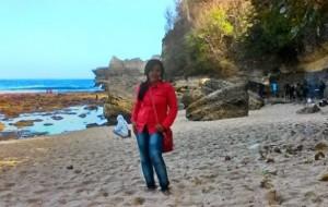 melihat dari dekat keindahan pantai sanggar tulungagung