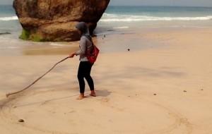 Menikmati keindahan pantai lumbung tulungagung