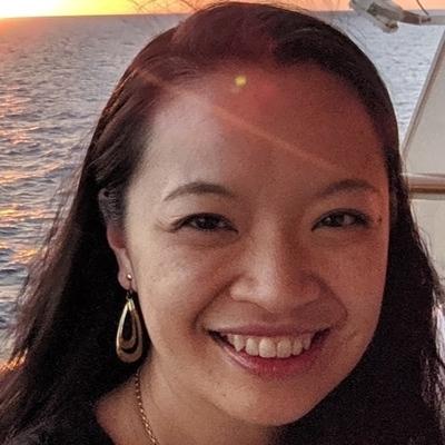 Elaine Hou headshot