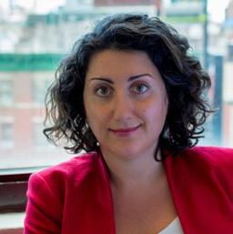 Elina Alayeva headshot