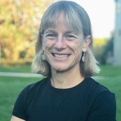 Kathy Maddock headshot