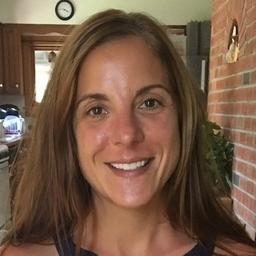 Stefanie Blouin headshot
