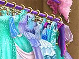 Wardrobe Bonus Play in Ice Queen Closet