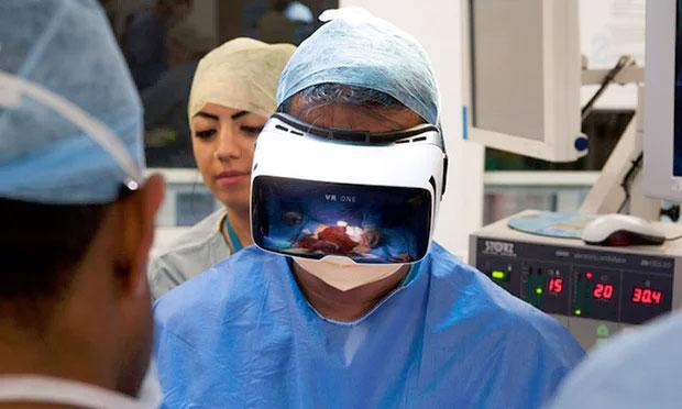 Use of virtual reality in training future surgeons