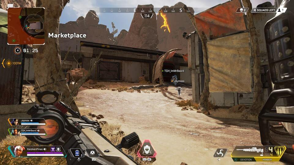 Running with teammates in Apex Legends