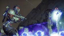 Fighting an enemy warlock in Destiny 2