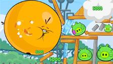 Chuck gameplay in Angry Birds Friends