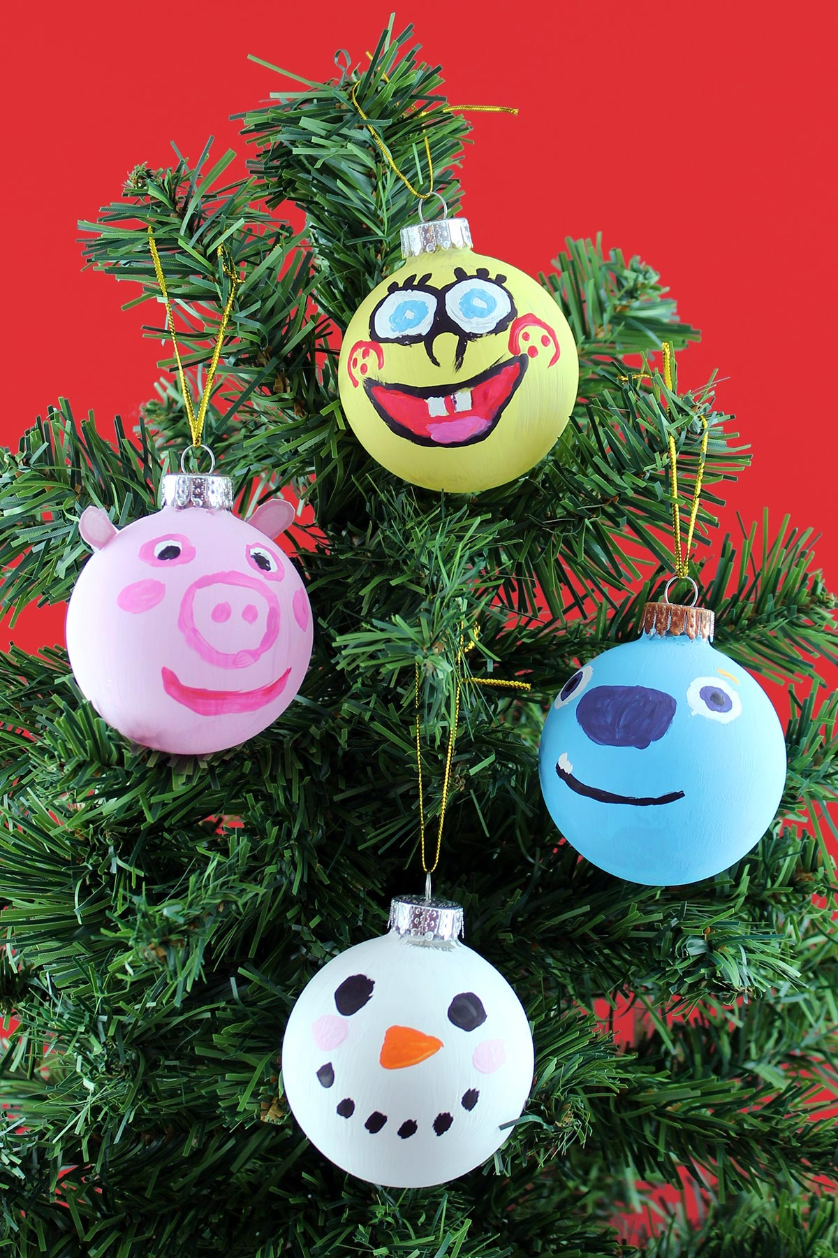 The Nickelodeon Family Gets Crafty for Christmas ...