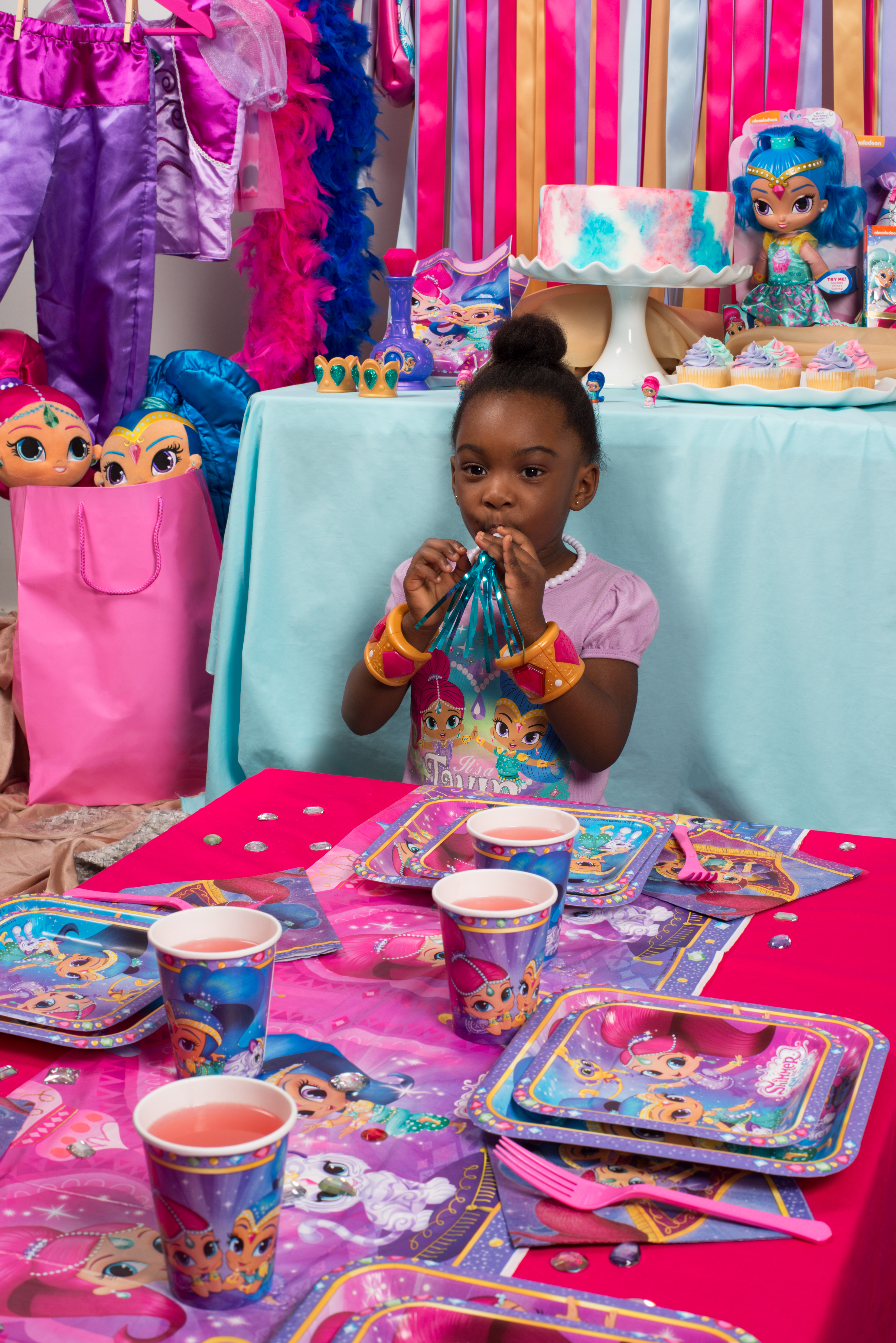 How to Throw A Sparkly Shimmer and Shine Birthday Party ...