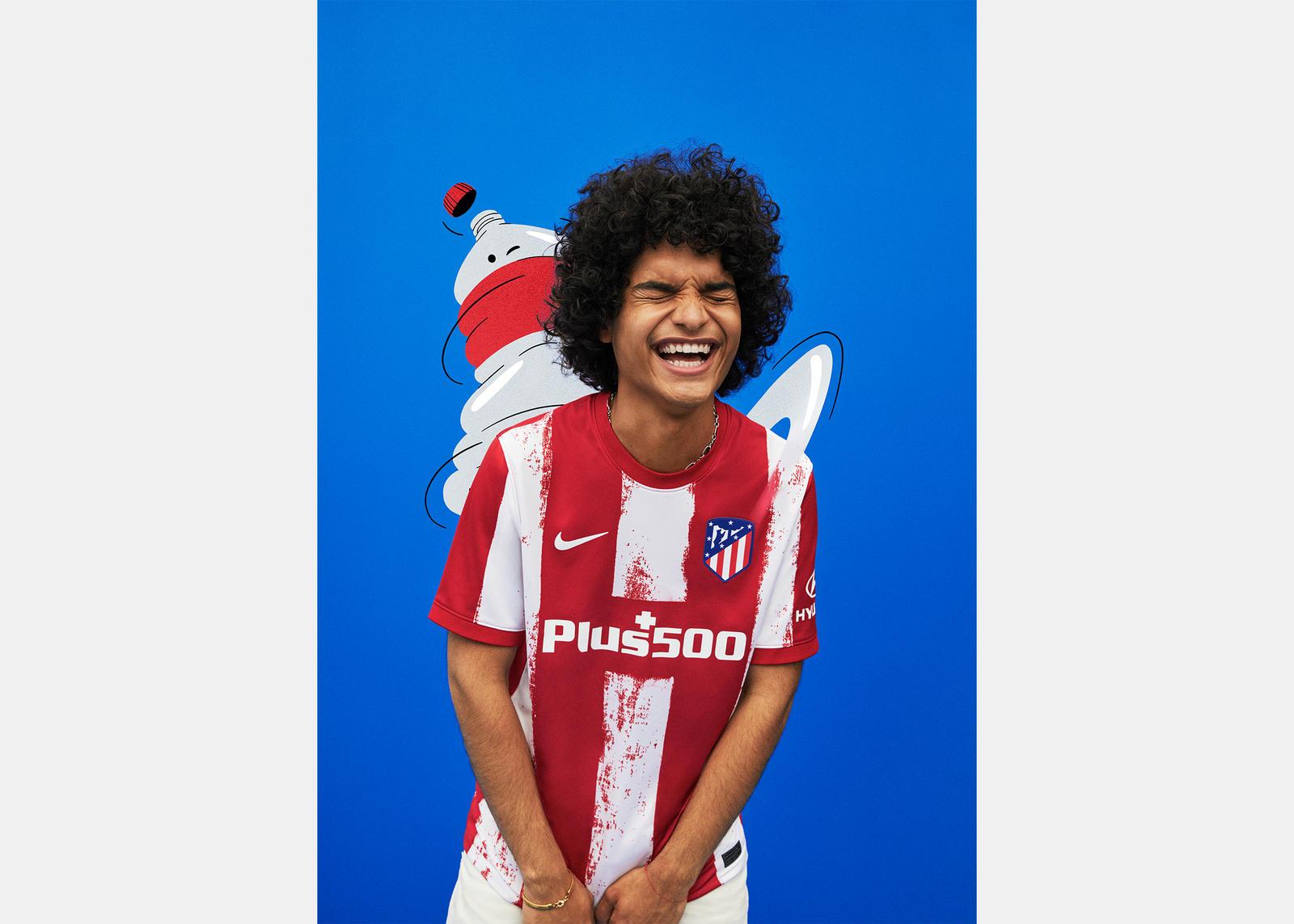 Atlético de Madrid 2021-22 Home Kit 0