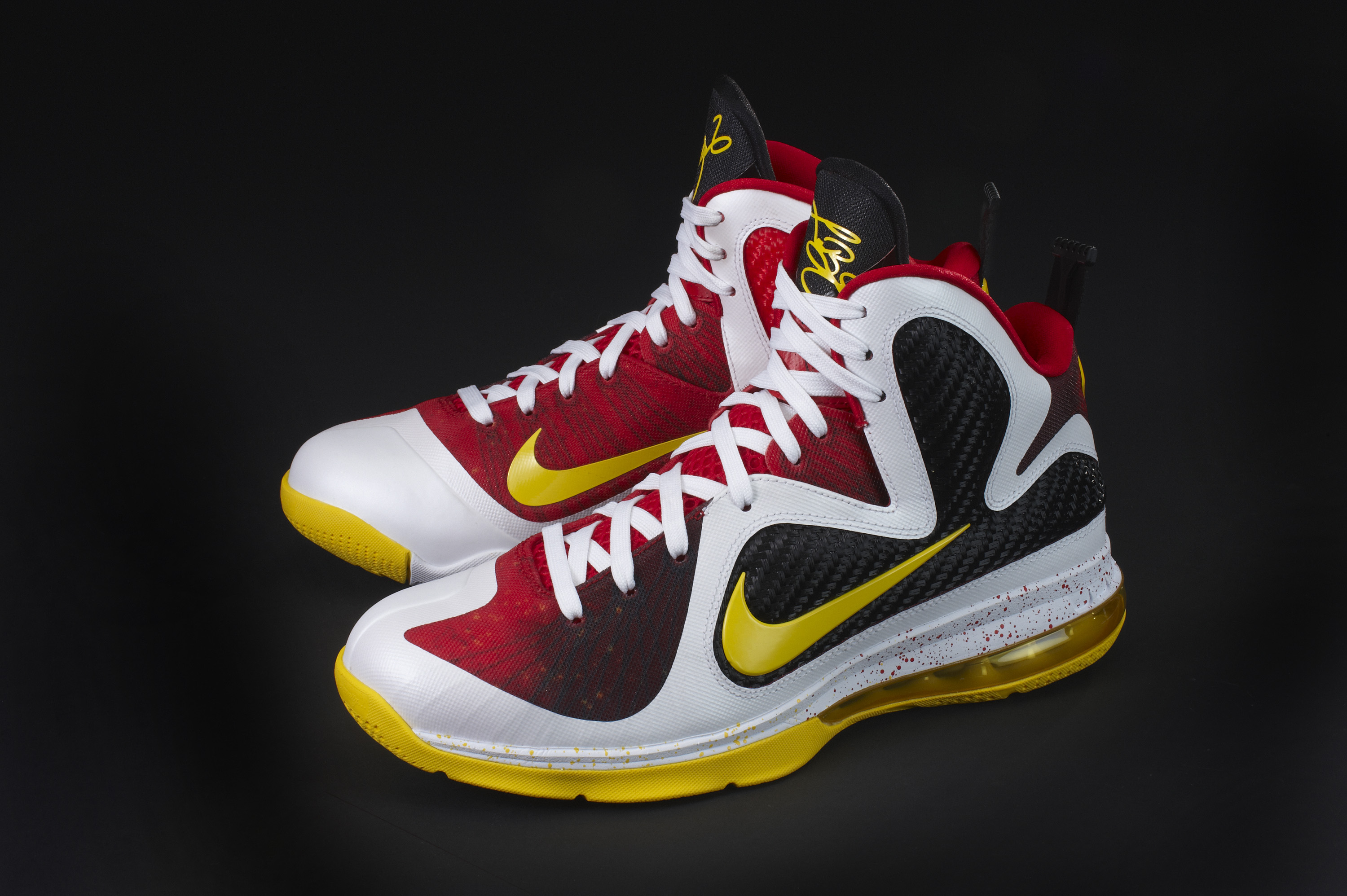 lebron james shoes 2012