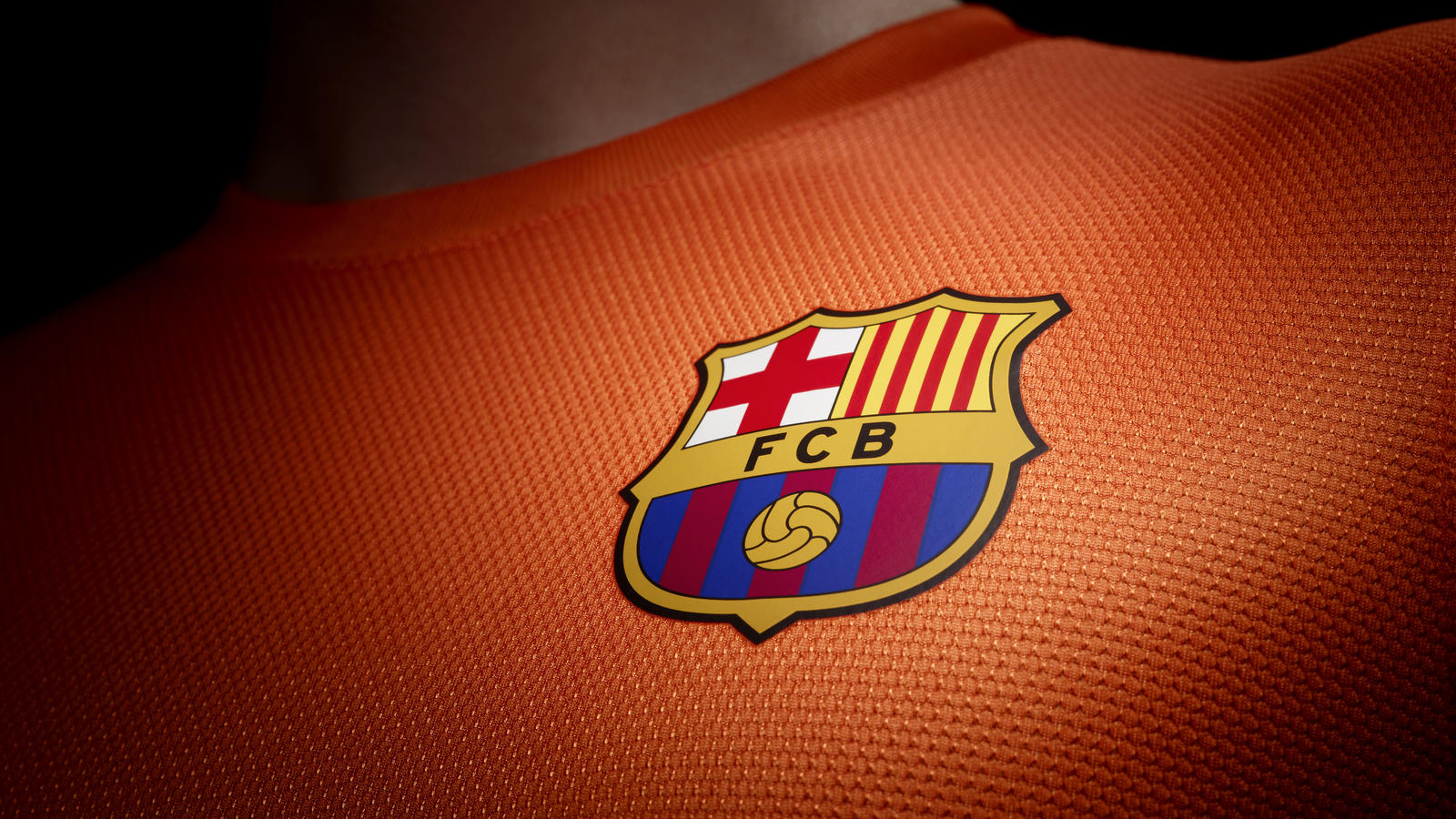 Fa12_Authentic_Barca_A_Crest_sm_R