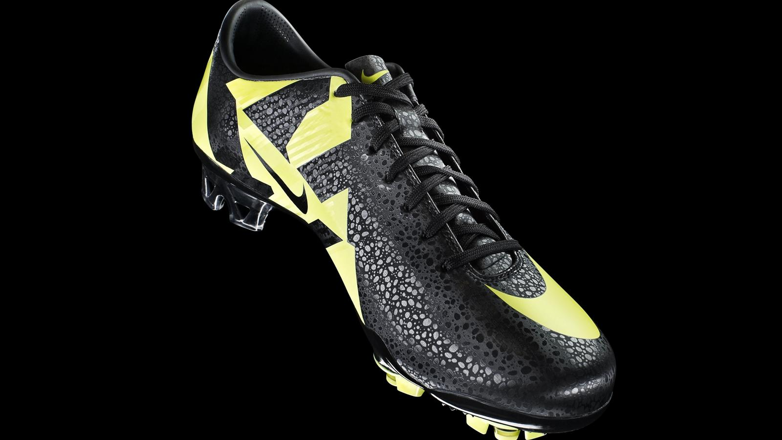 check out 7bddb 19c70 Nike Introduces the CR Mercurial Vapor SuperFly III - Nike News