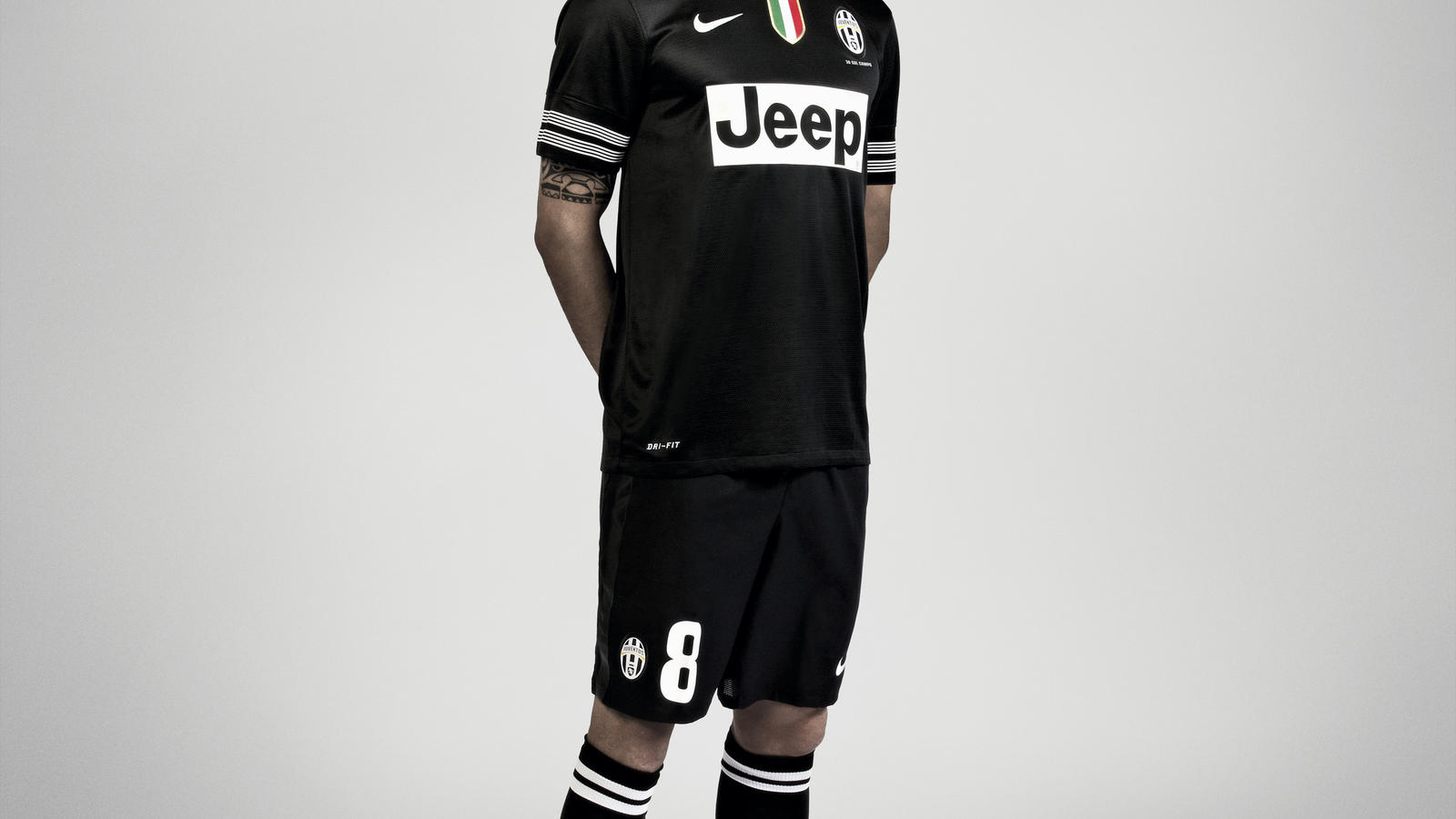 huge selection of 9ca76 2b131 Nike Football Unveils Juventus Away Kit For Season 2012/13 ...