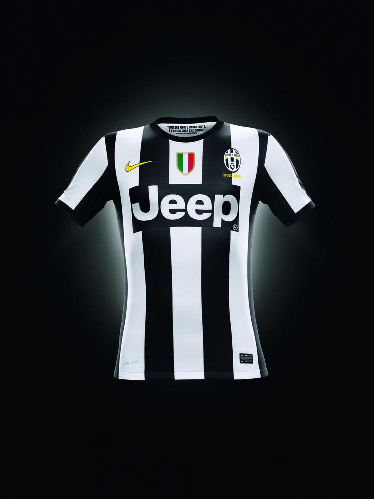 Nike Unveils Juventus Home kit for 2012-13 season