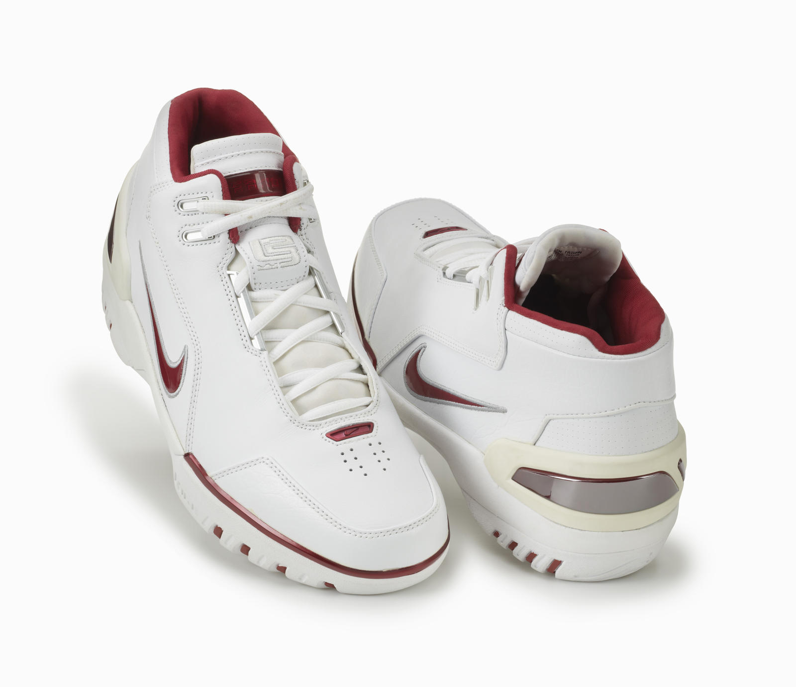 5b792a76562a nike zoom generation 3 LeBron James Shoes ...