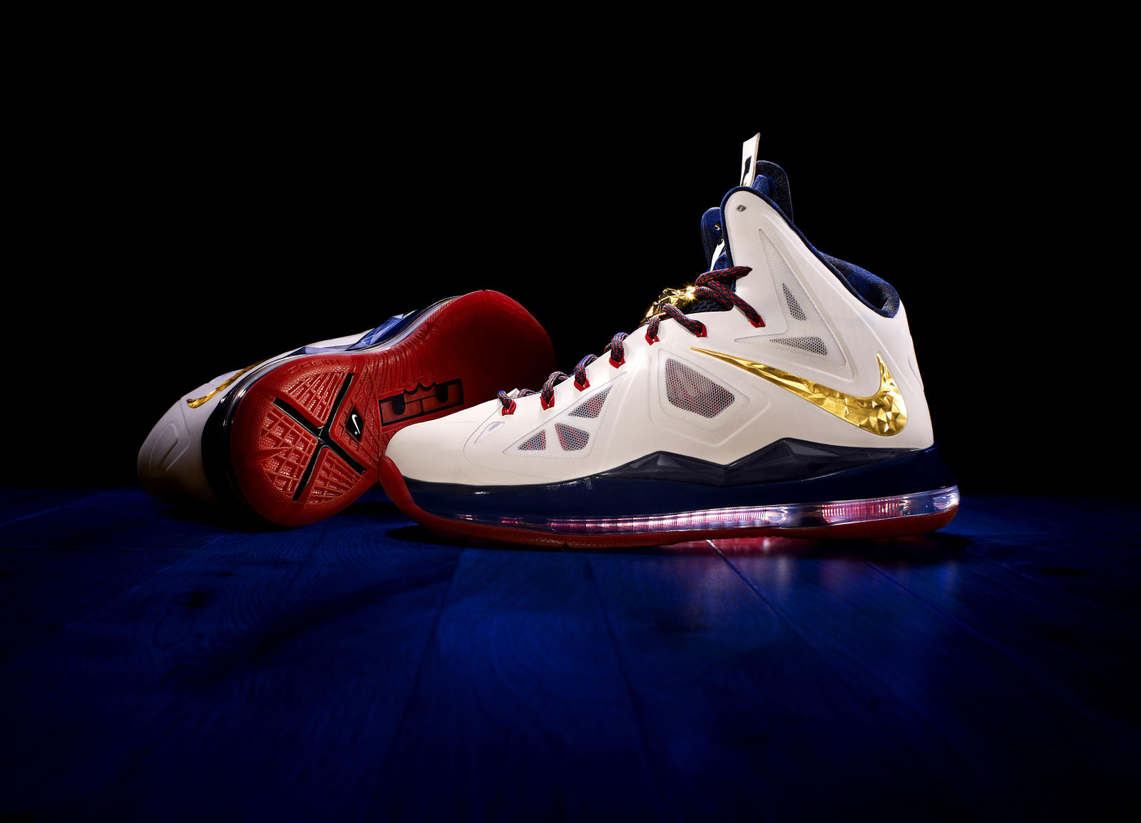 37ae87c15377 LeBron James Debuts the LEBRON X - Nike News