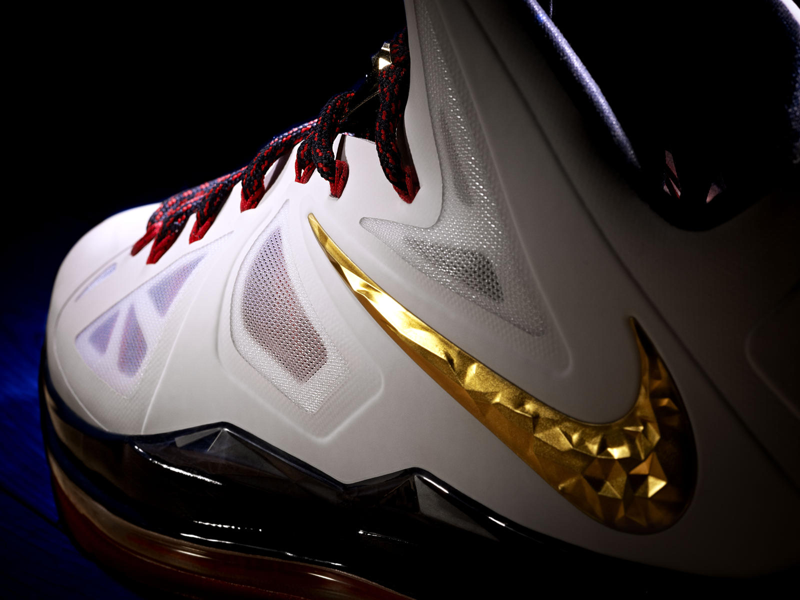 promo code a8a54 06129 LeBron James Debuts the LEBRON X - Nike News