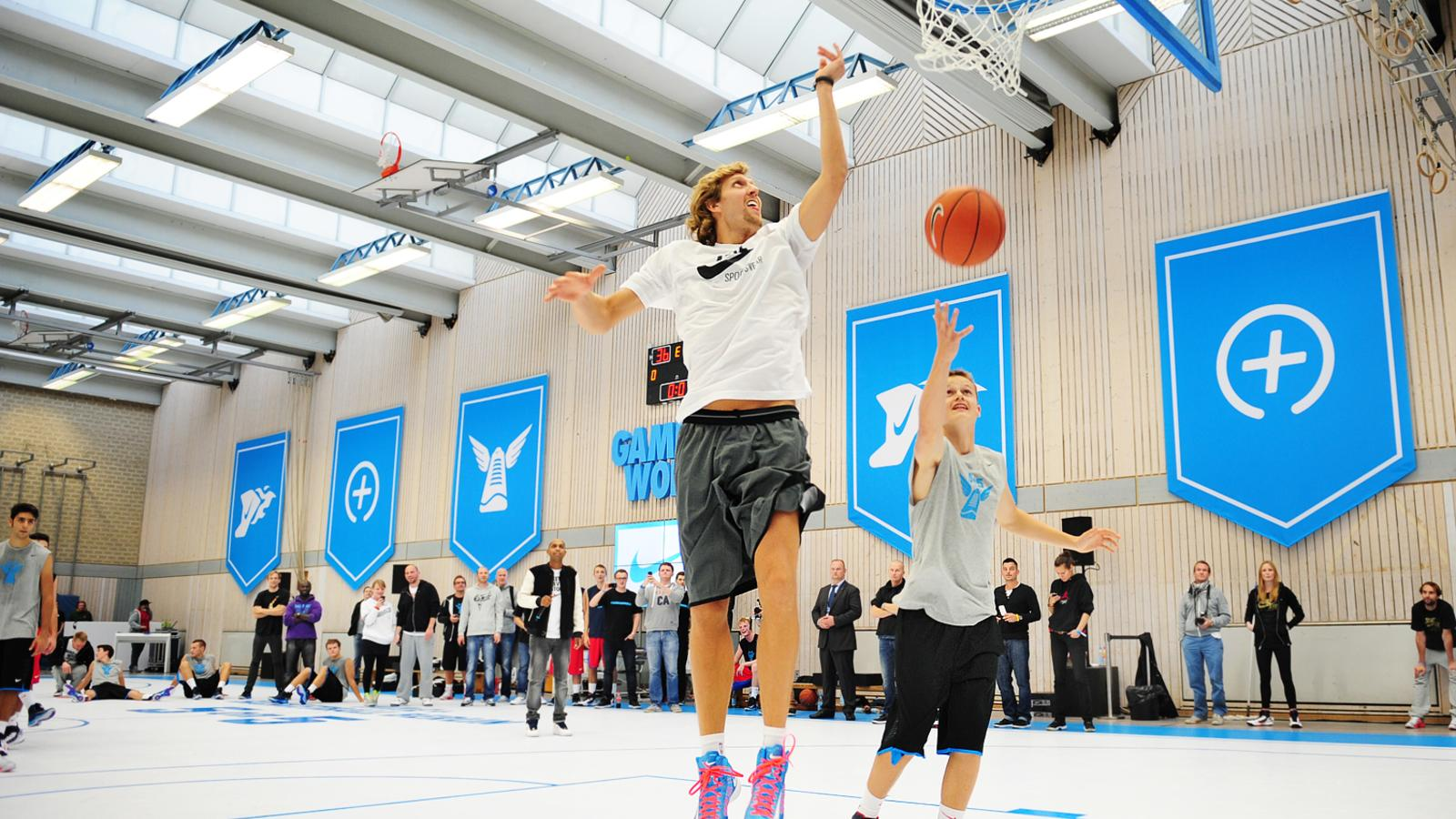 Dirk_Nowitzki_Berlin5on5c