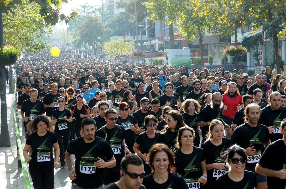 Runners take to the streets of Istanbul for Nike We Run 5K c781c3079