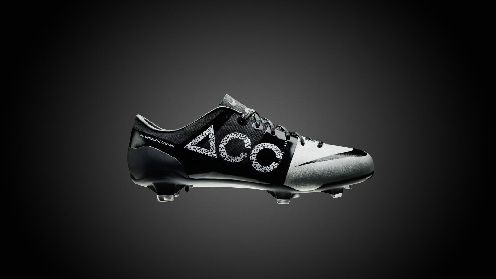 Nike GS 2 boot delivers seamless ball control, low