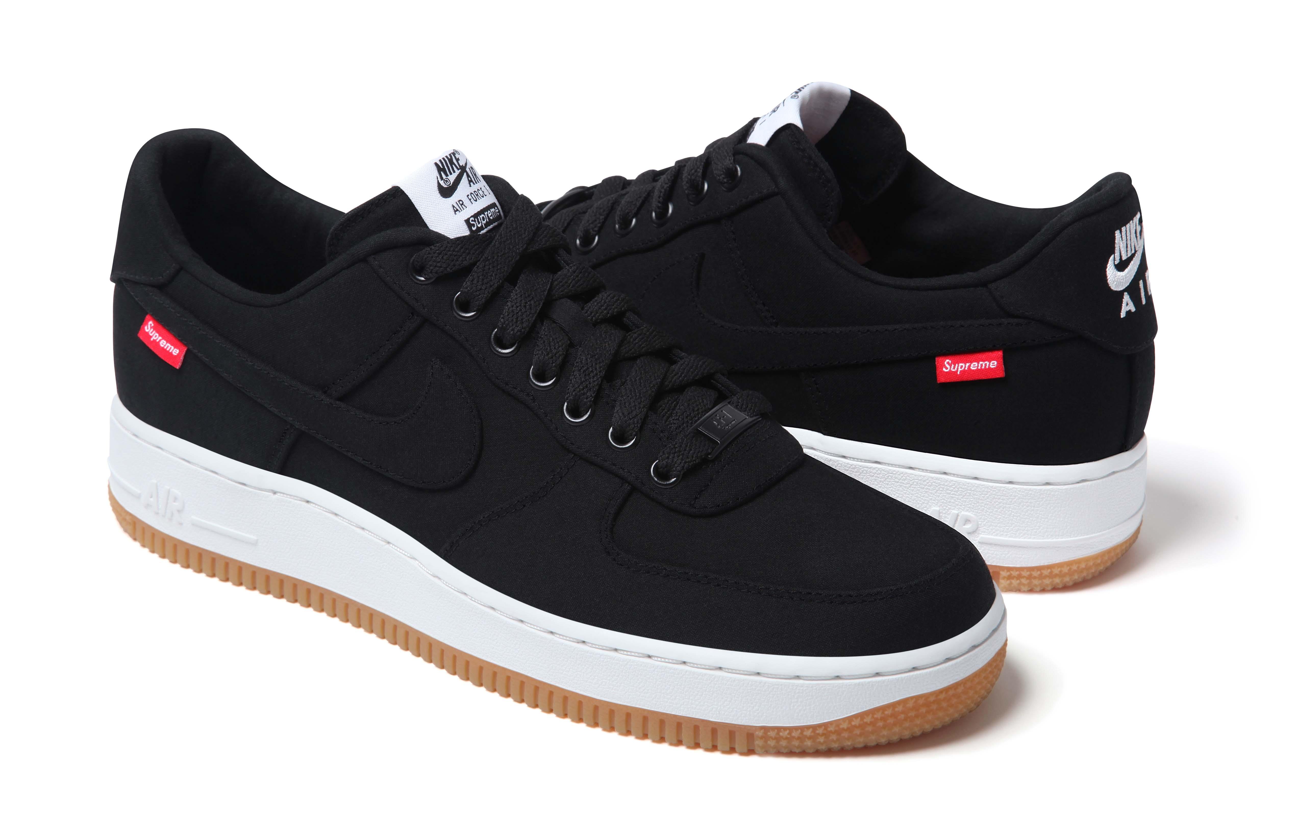 Nike shoes all black