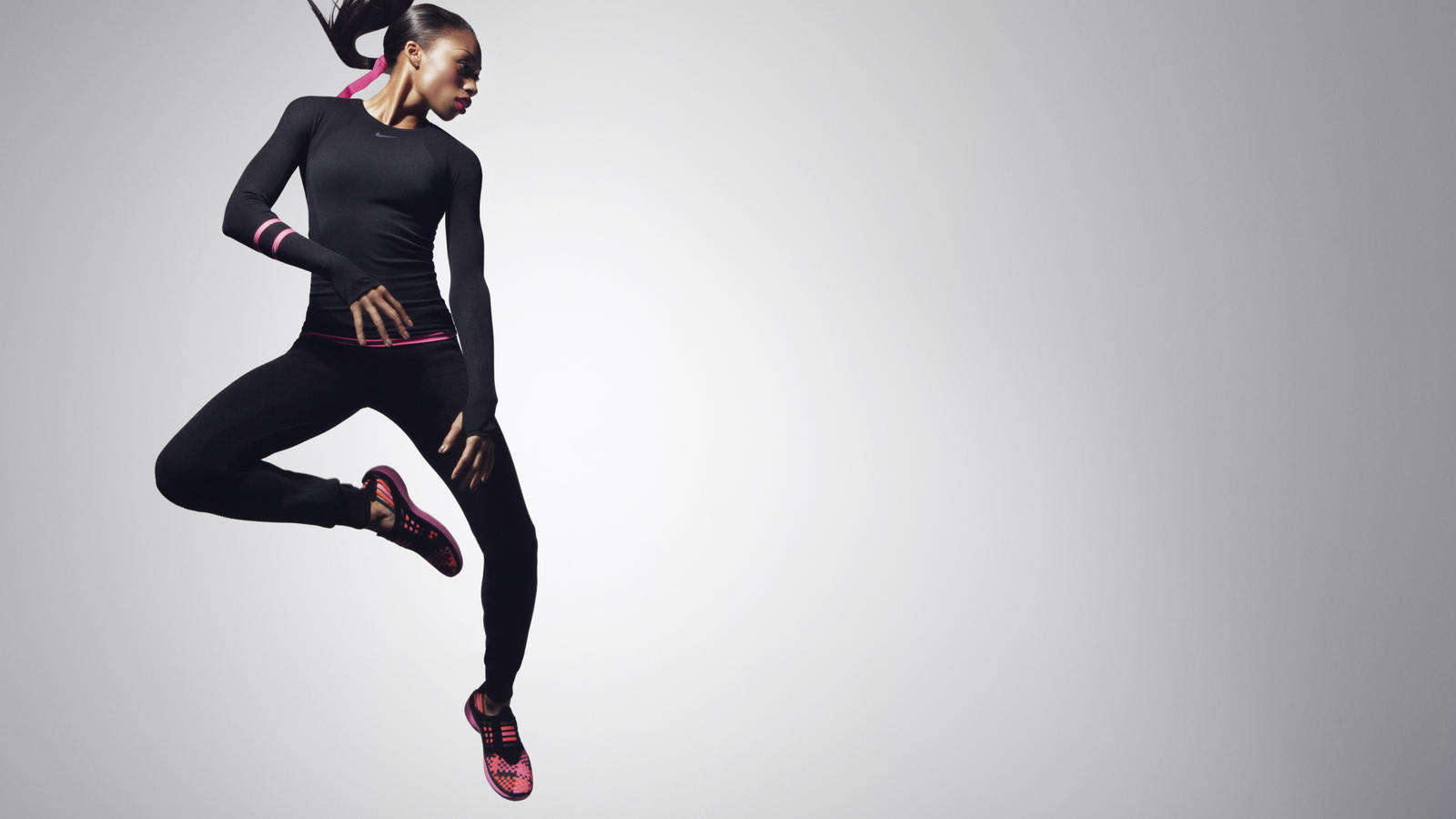 22-Allyson_Felix-Black_and_Pink_Look