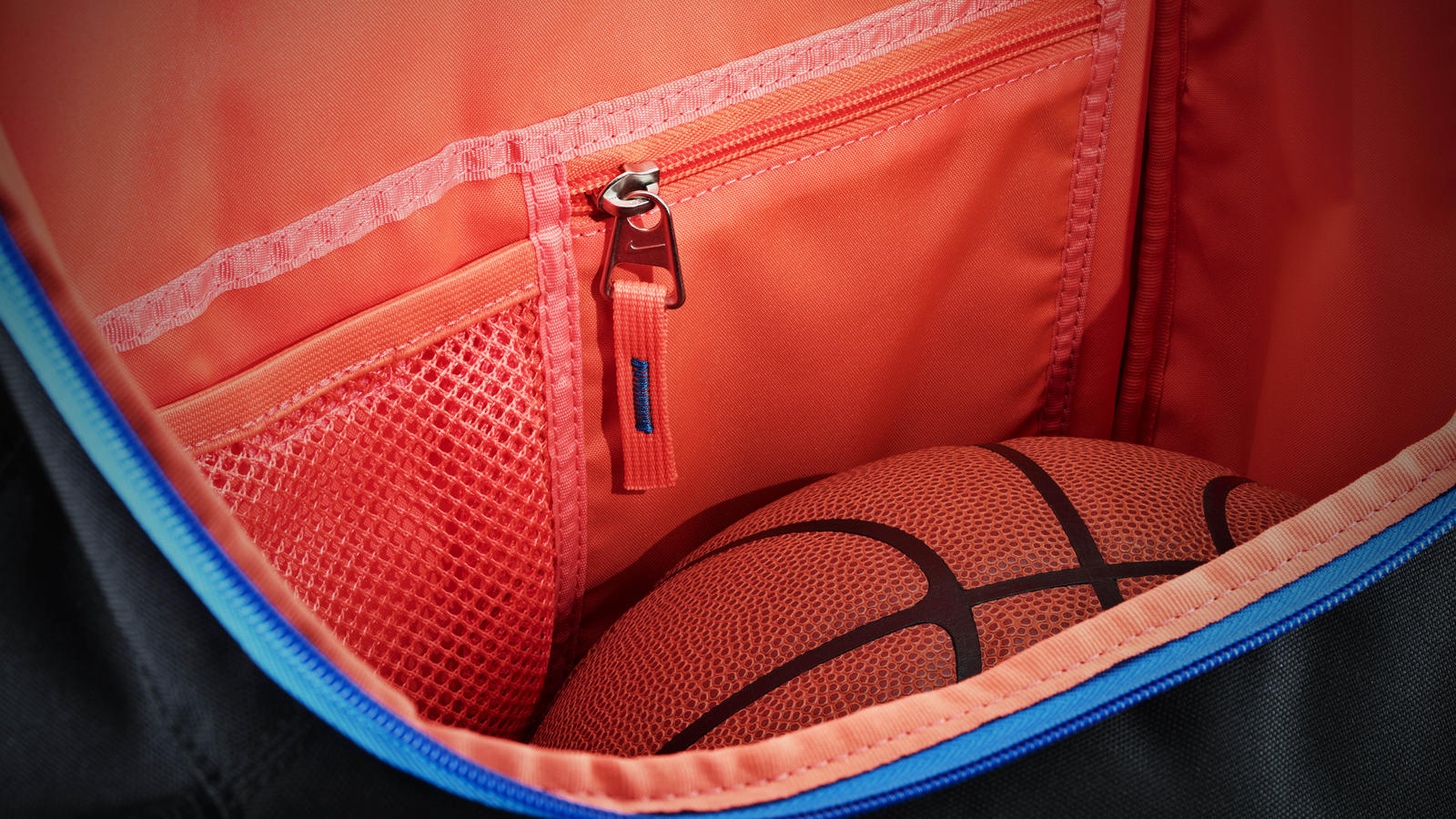 Inside Access Kevin Durant S Backpack Revealed Nike News