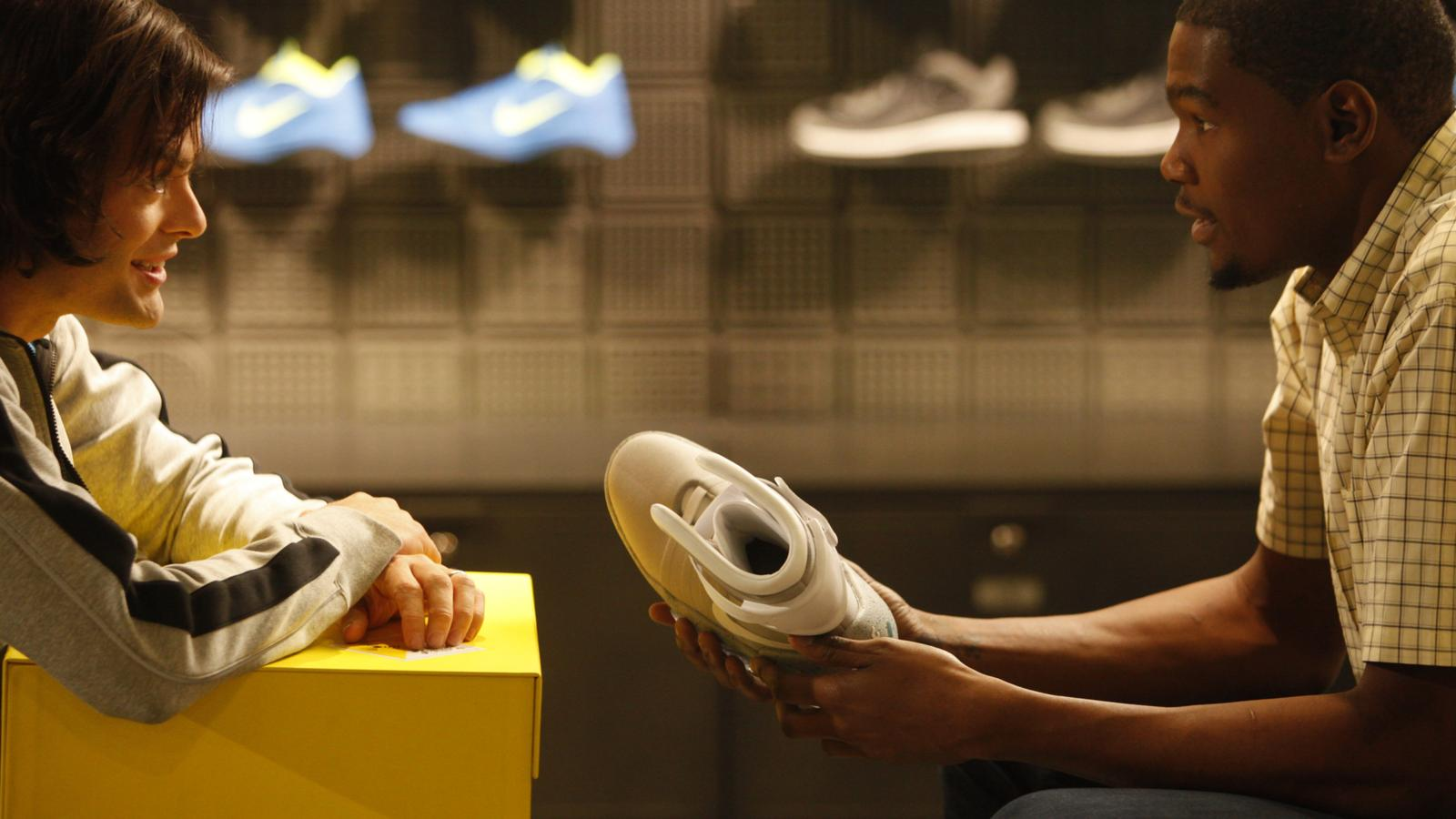 Lujo Sucio alarma  1,500 pairs of the mythical 2011 NIKE MAG shoes will be auctioned on eBay -  Nike News