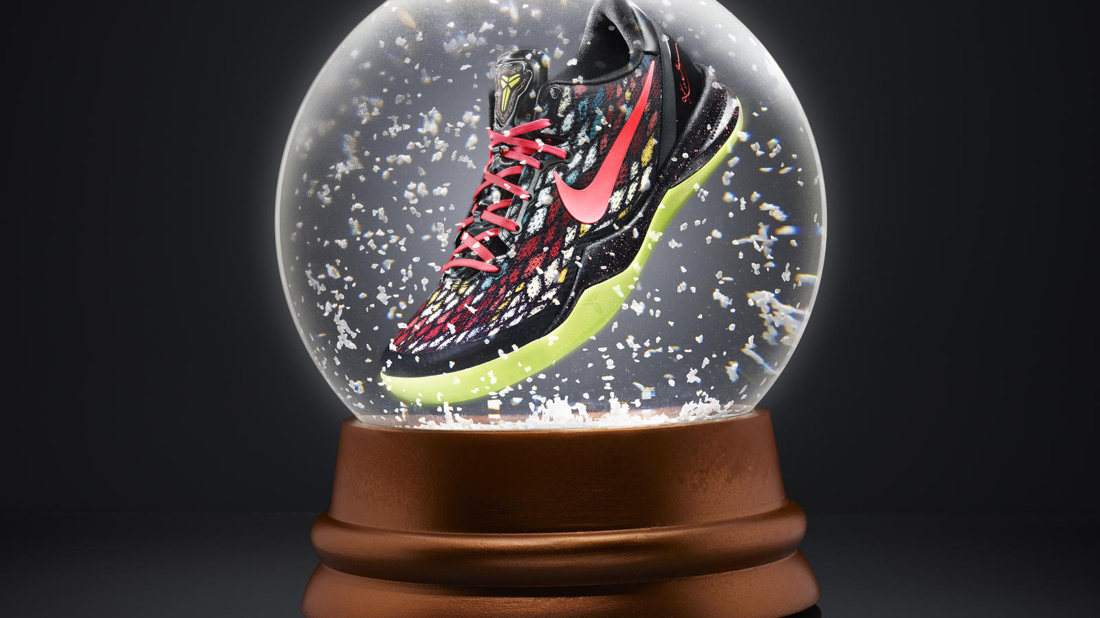 Reembolso Centro comercial Significativo  Tis the season for festive Nike Basketball signature footwear - Nike News