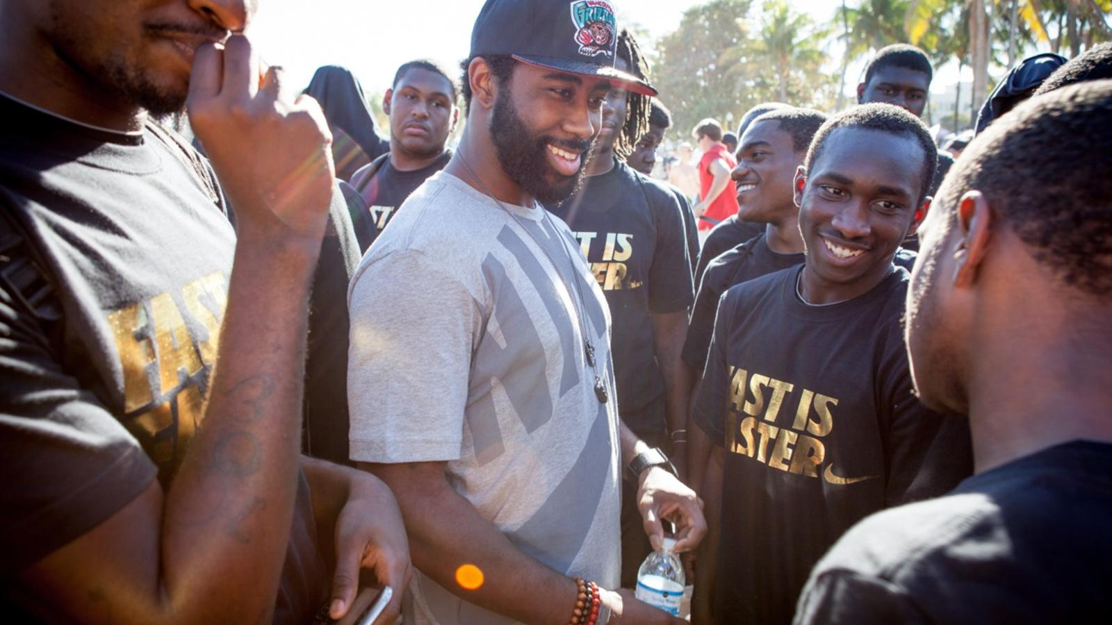Revis_with_Kids