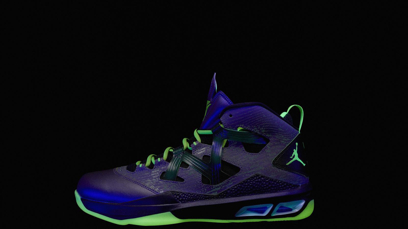 Jordan_2013_AllStar_Ftwr_MELO_LAT_Glow_blk