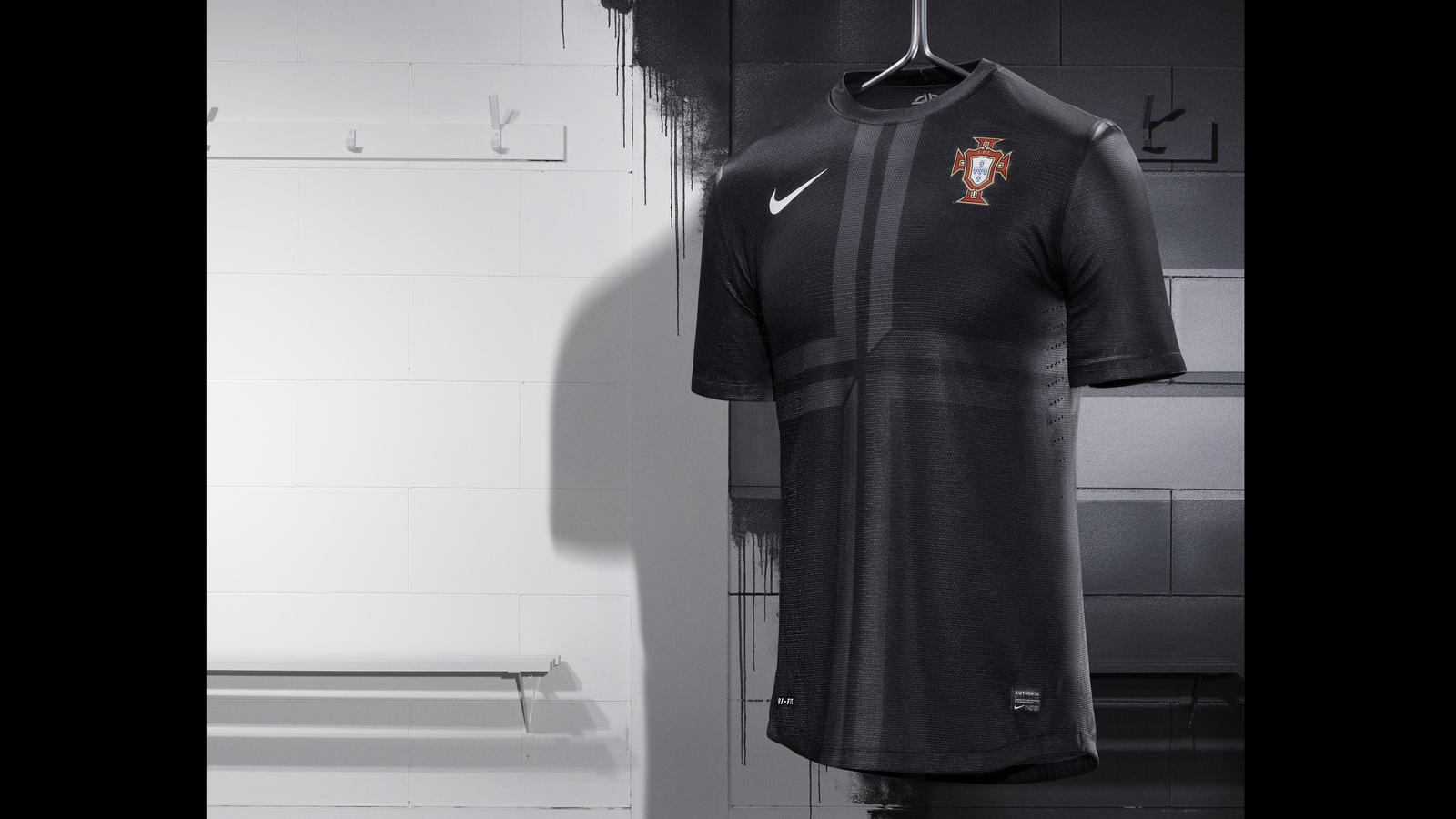 Nike_Football_Portugal_Away_Jersey_(2)