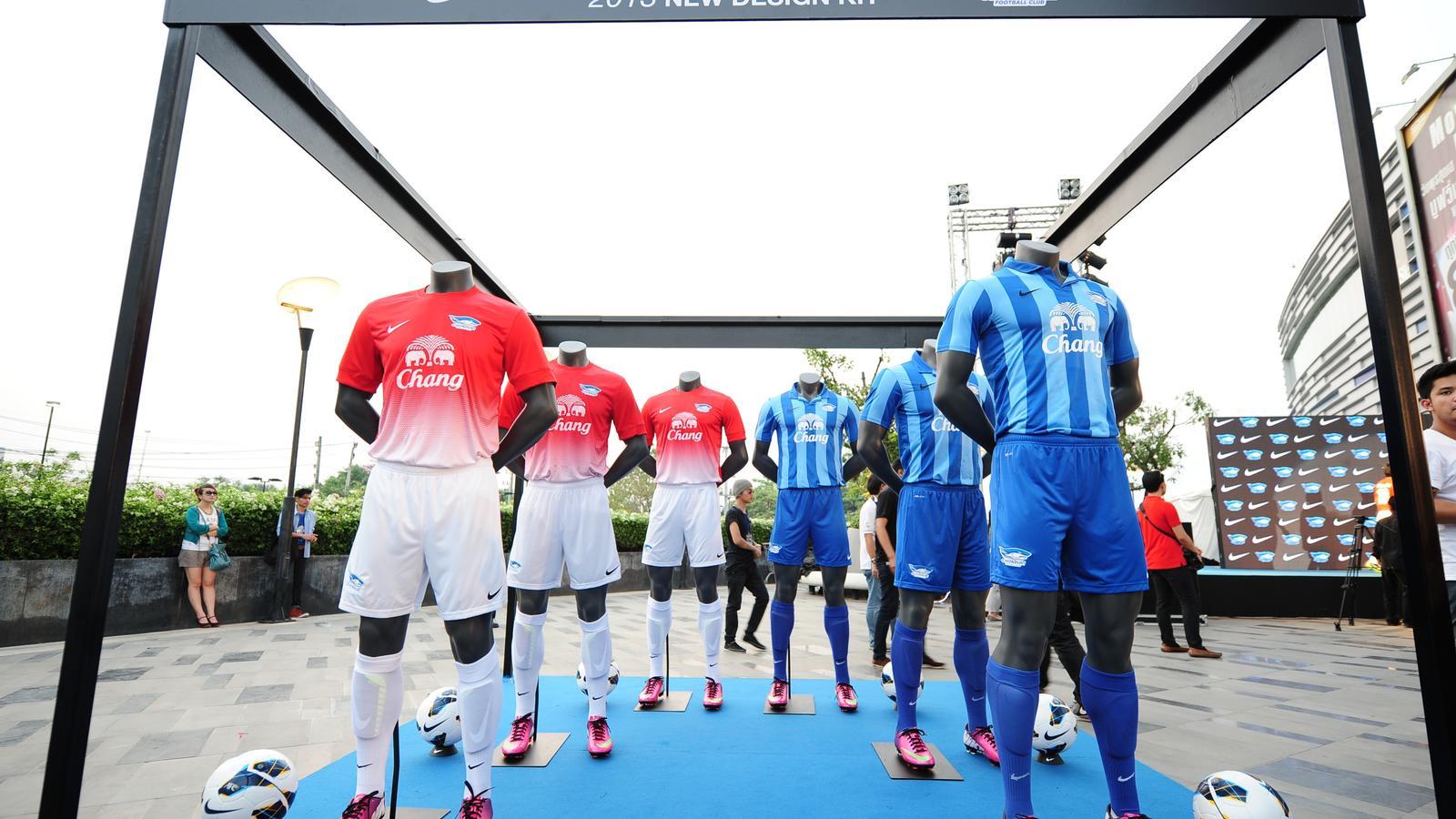 Chonburi FC Club Kits 2013/2014 AWAY and HOME