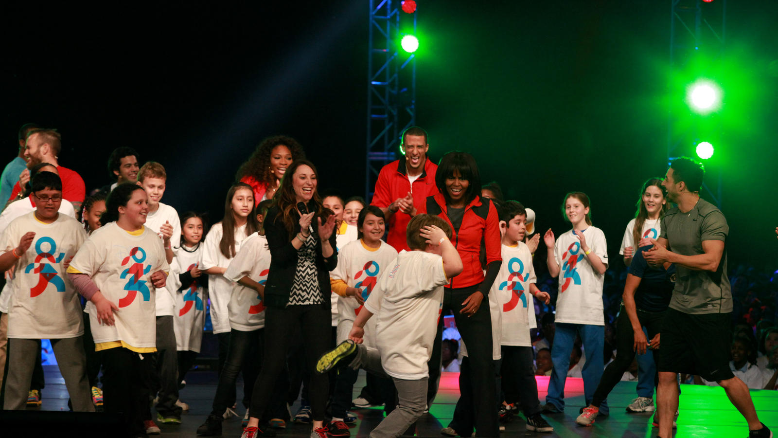 lets-move-active-schools_michelle-obama_kids_athletes