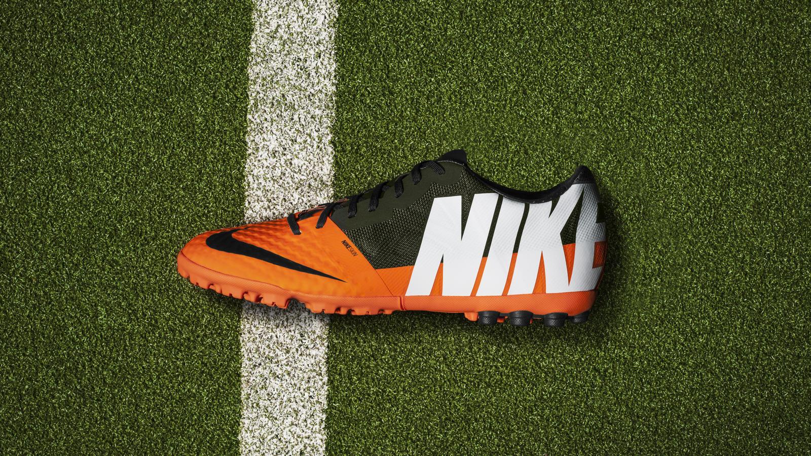 Nike Bomba Finale II Profile