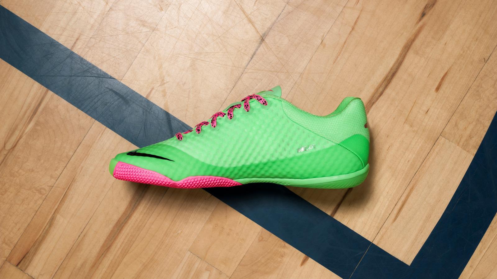 Nike Elastico Finale II Profile