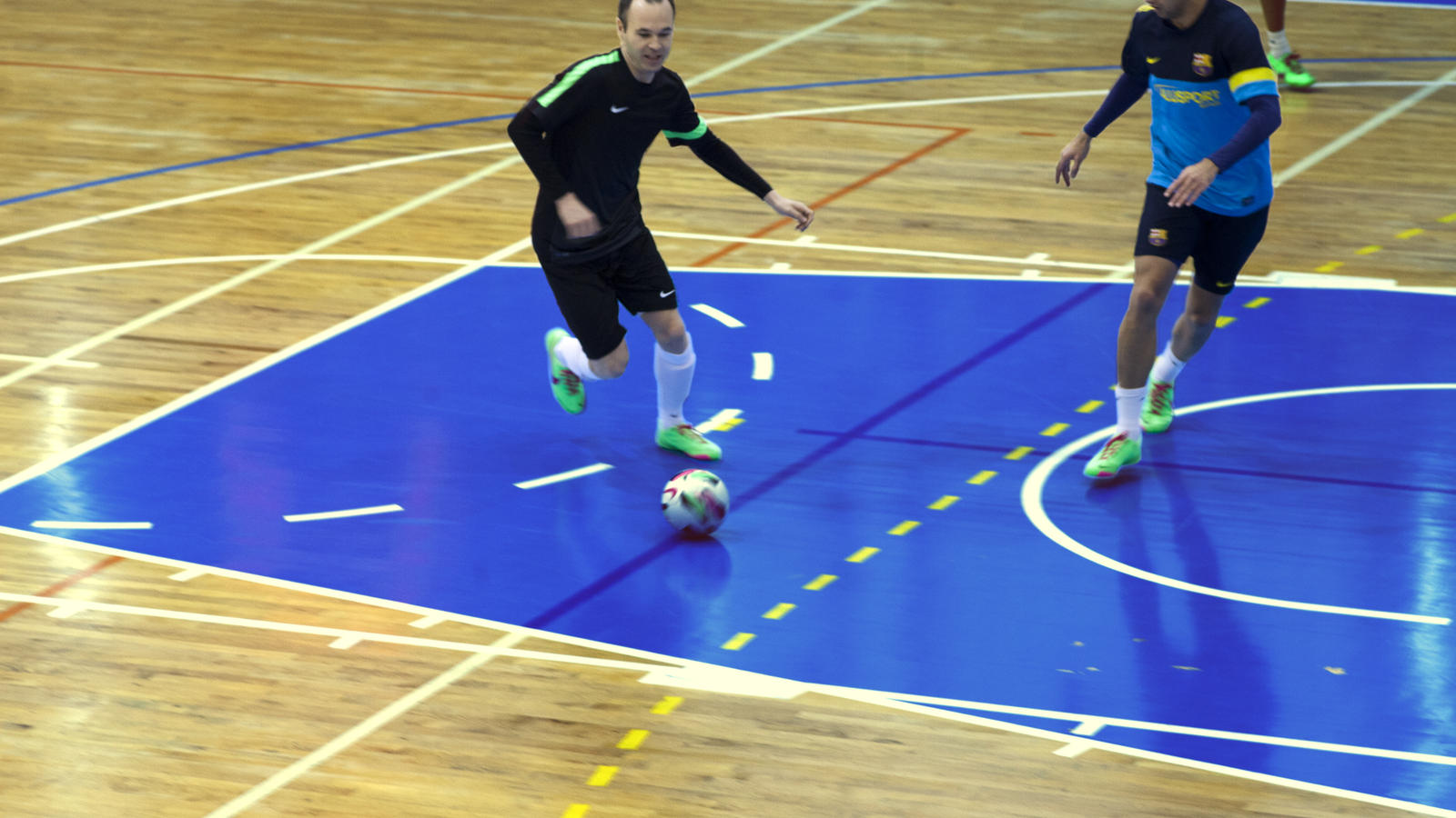 líquido Desempacando Pelmel  Andrés Iniesta, Jordi Torras share their mutual admiration for football and  futsal - Nike News