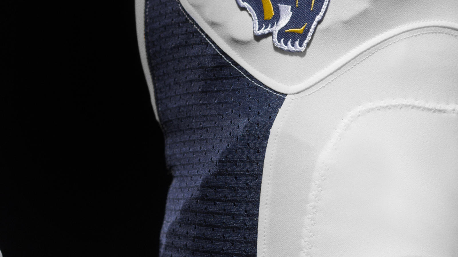nike-cal-brand-identity-football-detail
