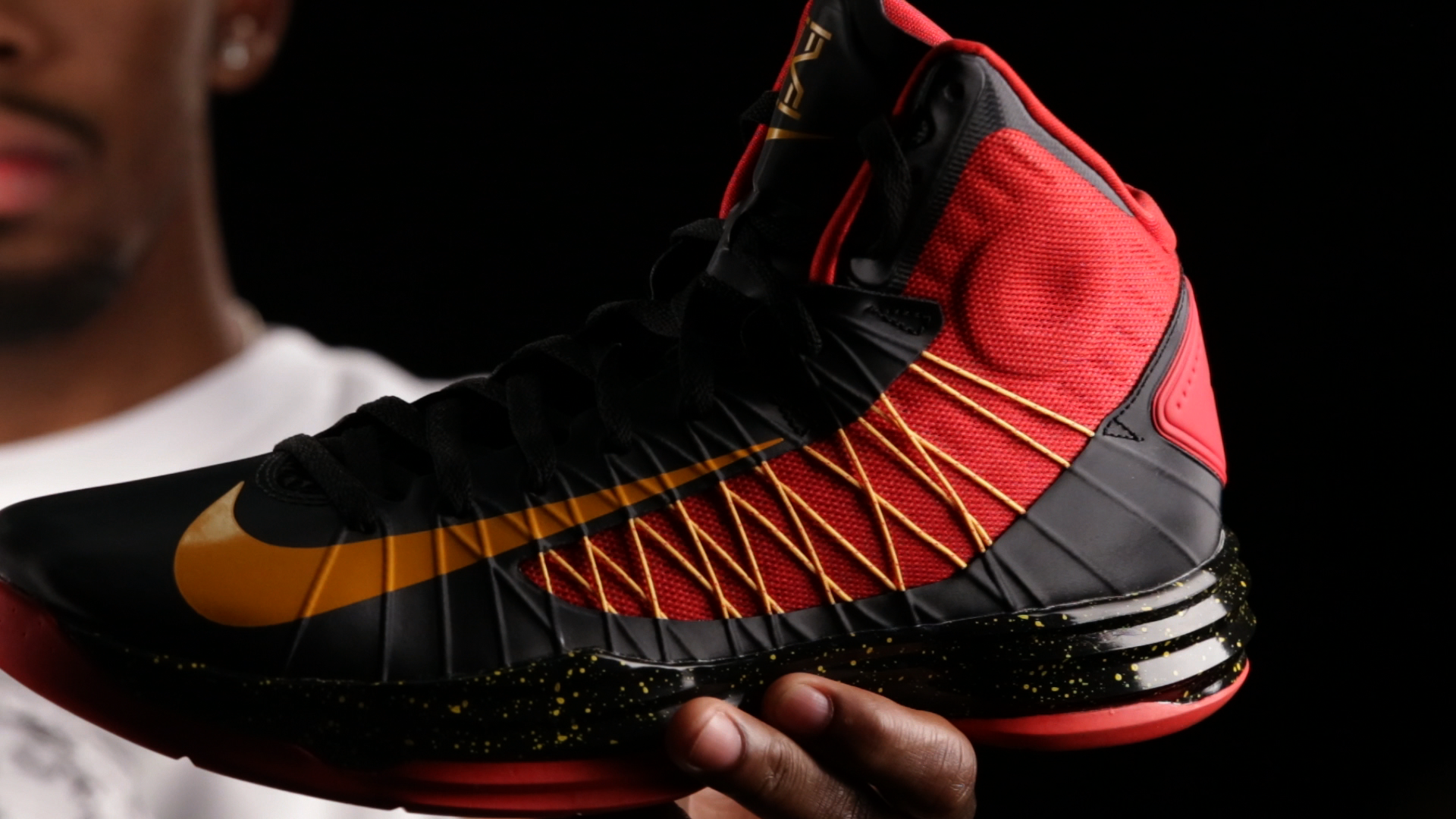 kyrie irving shoes black nike hyperdunk