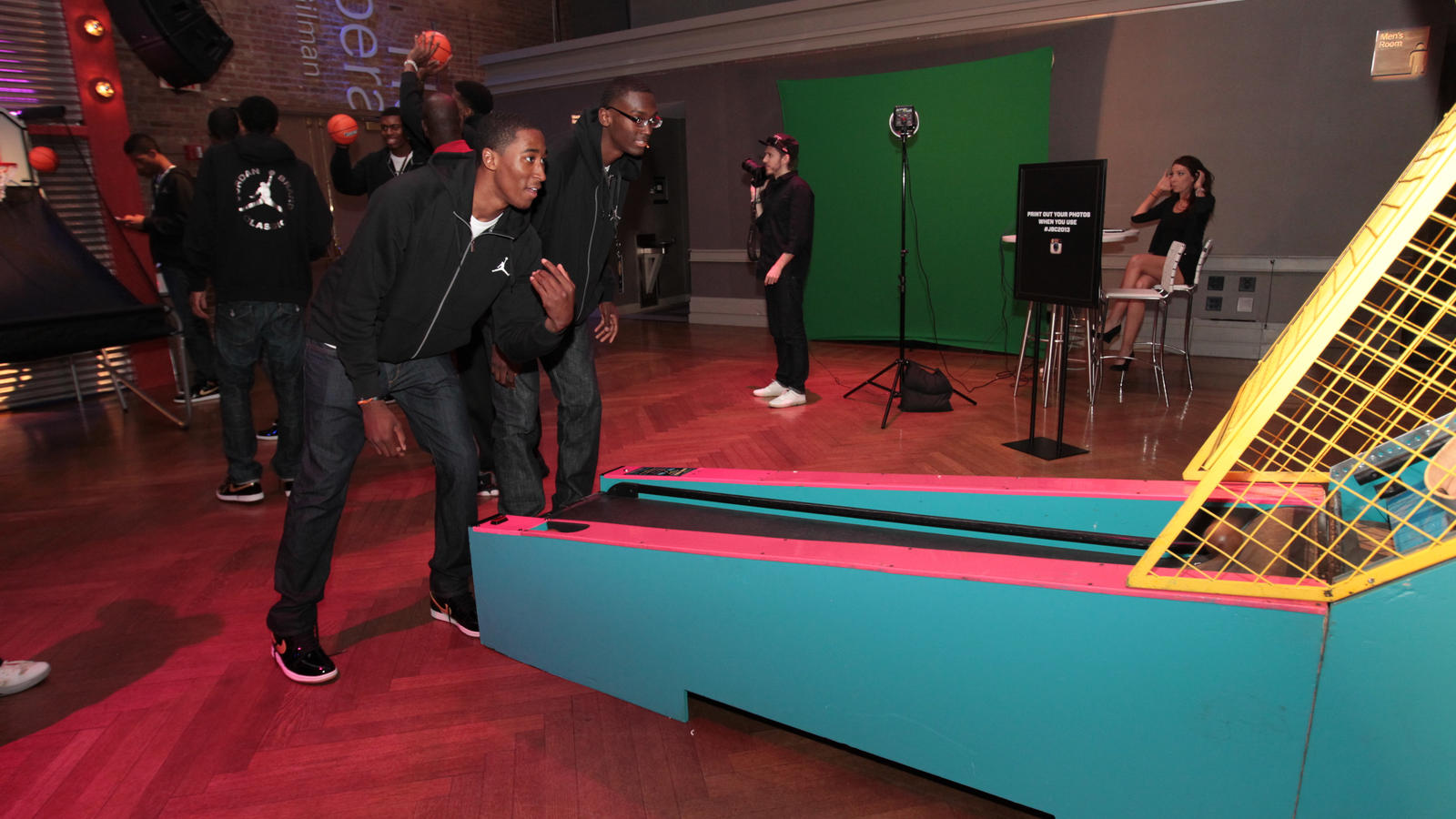 RONDAE JEFFERSON AND BOBBY PORTIS PLAYING SKEE BALL