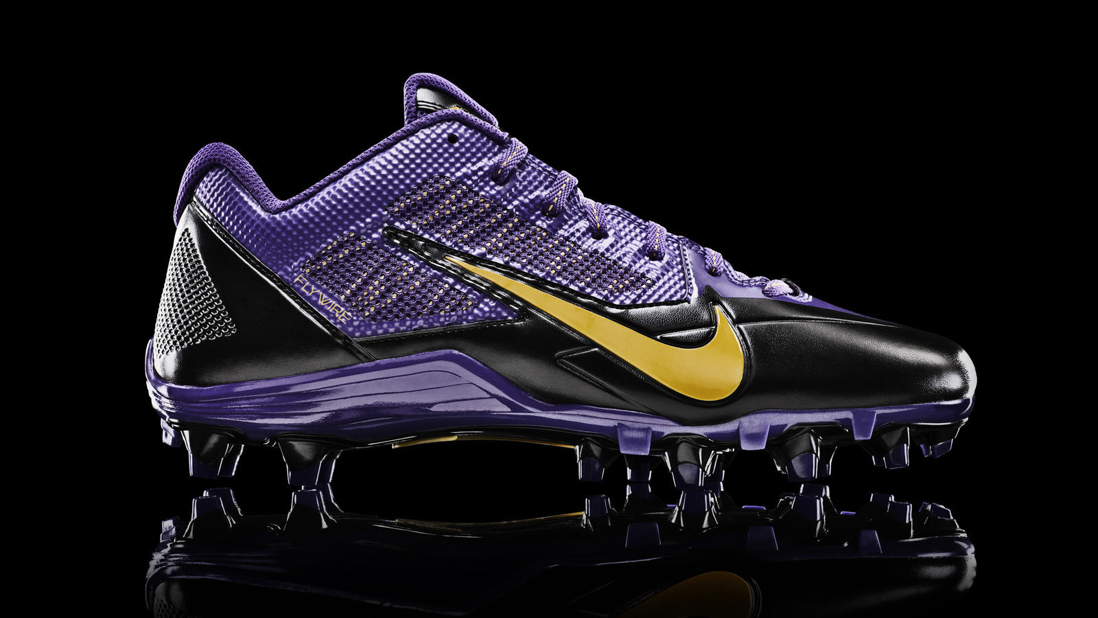 vikings-nfl-nike-alpha-pro-cleat-profile