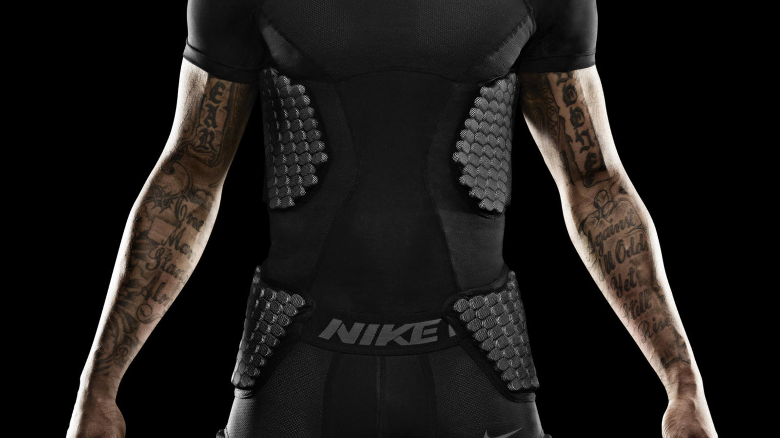 wallace-miami-nike-pro-combat-hyperstrong-baselayer-1
