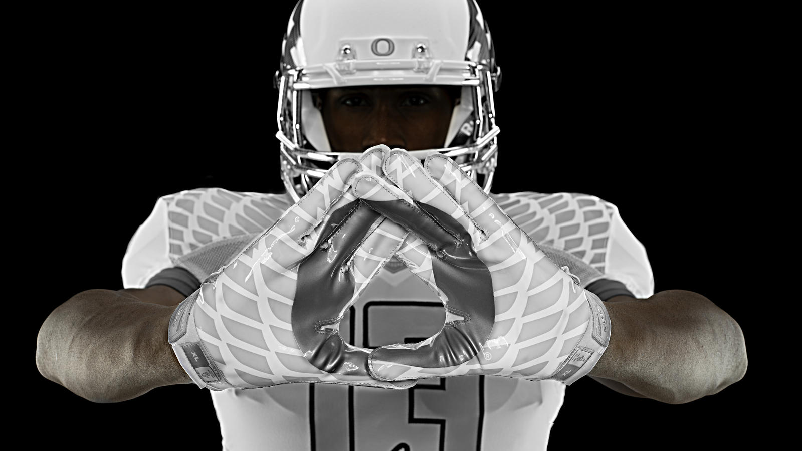 nike-football-uniform-uofo-home-glovers