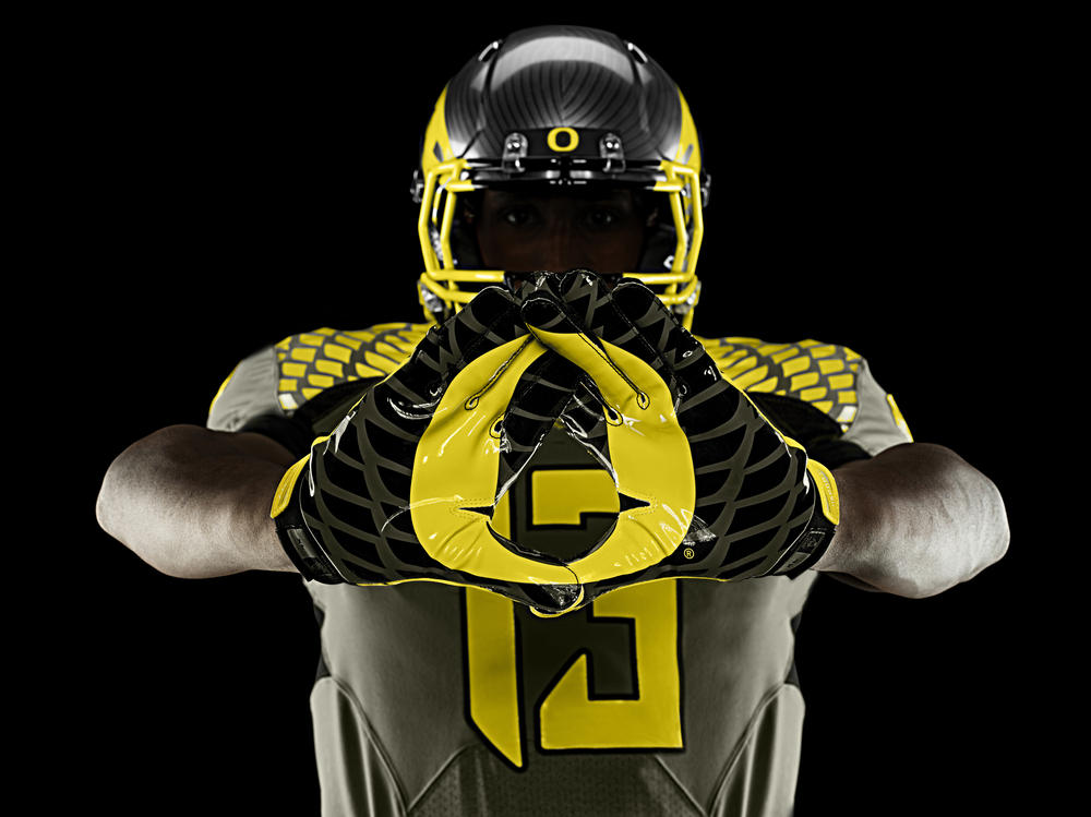 Oregon Ducks' Spring Game Uniforms Honor Service Men and Women