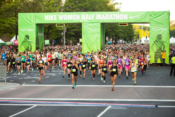 Joan Benoit Samuelson, Shalane Flanagan Join Nearly 15,000 for Nike Women Half Marathon D.C.