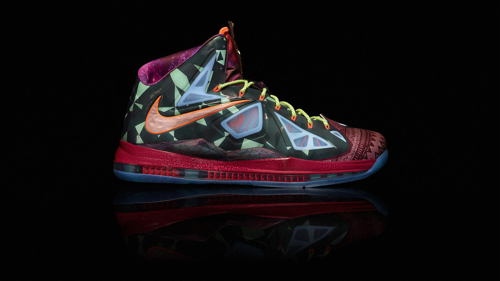 competitive price dda50 568cc Nike Marks LeBron James s Most Valuable Player Title with LEBRON X ...